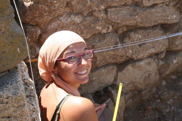 Dibujo arqueológico en yacimiento romano